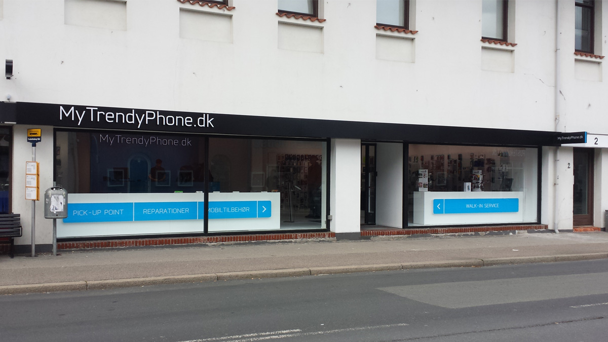 MyTrendyPhone Hillerød store facade day view photo