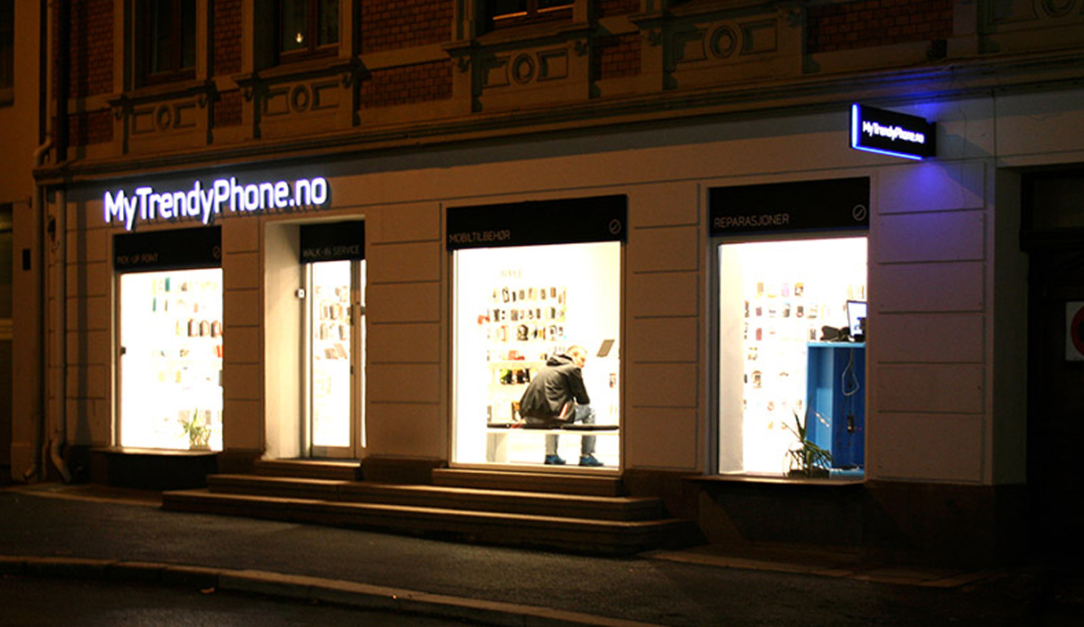 MyTrendyPhone oslo store facade signage photo night view