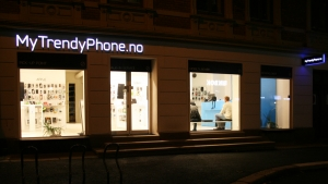 MyTrendyPhone oslo store exterior view photo night view