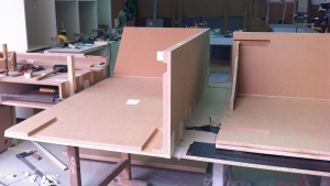 Technical supervision of tailor-made elements in a workshop - raw mdf