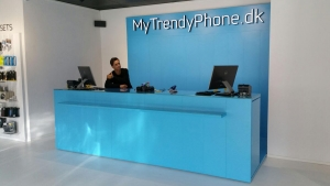 MyTrendyPhone tailor-made shop counter mounted in a shop