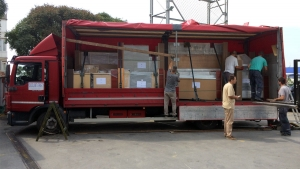 Truck loading with packed custom made elements for Di Perna Parrucchieri Rome